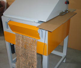 Stroj na výrobu papírové vlny z odpadního kartonu VPV