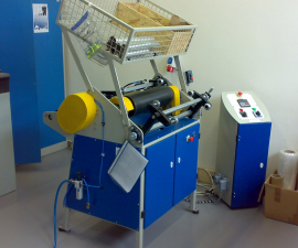 Semi automatic machine for cutting and rewinding stretch i lm PPS